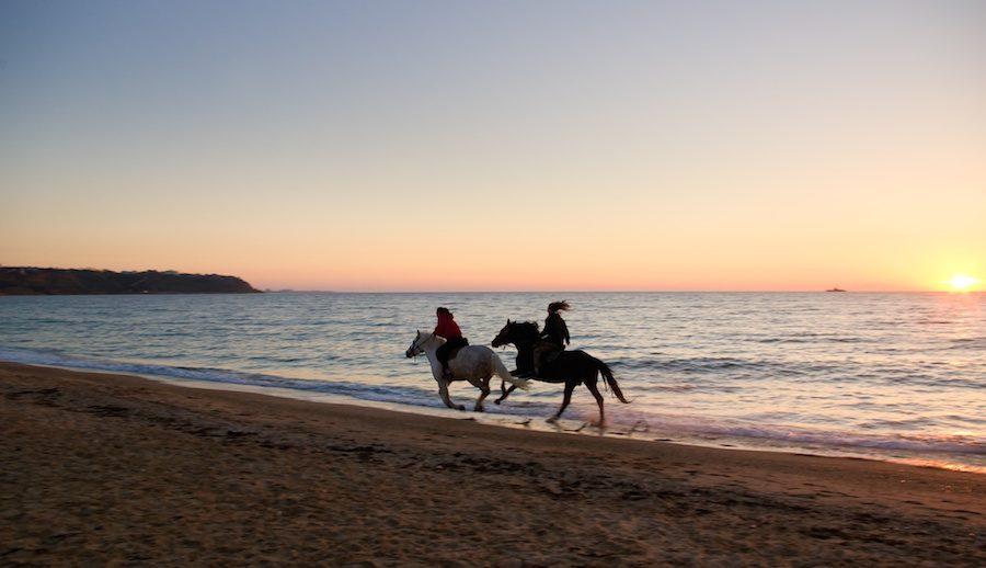 horseback-riding-beach-cabarete